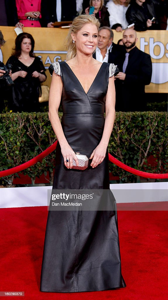 Actor Julie Bowen arrives at the 19th Annual Screen Actors Guild Awards at the Shrine Auditorium on January 27, 2013 in Los Angeles, California.