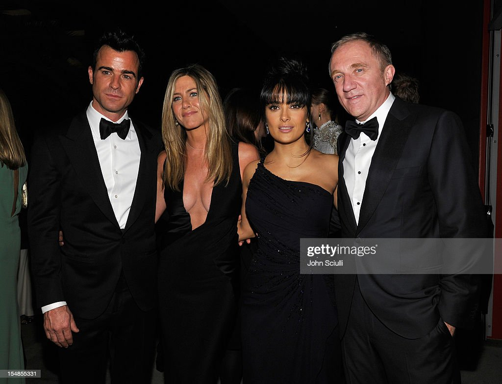 Actor Justin Theroux, actress Jennifer Aniston, actress Salma Hayek, and Francois-Henri Pinault attend LACMA 2012 Art + Film Gala Honoring Ed Ruscha and Stanley Kubrick presented by Gucci at LACMA on October 27, 2012 in Los Angeles, California.