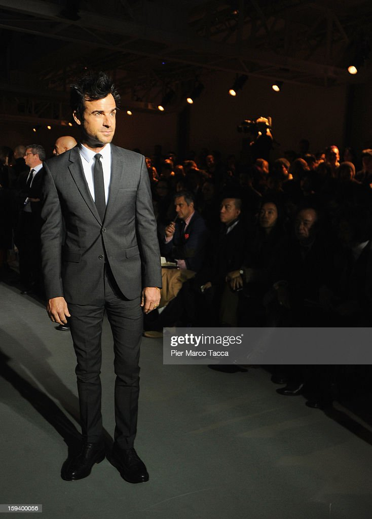 Actor <a gi-track='captionPersonalityLinkClicked' href=/galleries/search?phrase=Justin+Theroux&family=editorial&specificpeople=240634 ng-click='$event.stopPropagation()'>Justin Theroux</a> attends the Calvin Klein Collection show as part of Milan Fashion Week Menswear Autumn/Winter 2013 on January 13, 2013 in Milan, Italy.