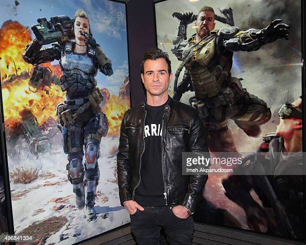 Actor Justin Theroux Plays Call Of Duty Black Ops 3 at Treyarch Studios on November 12 2015 in Santa Monica California