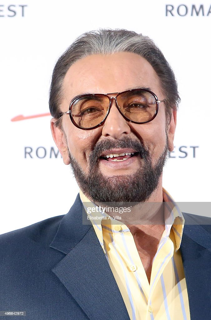 Actor Kabir Bedi attends a photocall for 'Buddha: King of Kings' dur... Show more - actor-kabir-bedi-attends-a-photocall-for-buddha-king-of-kings-during-picture-id496842972