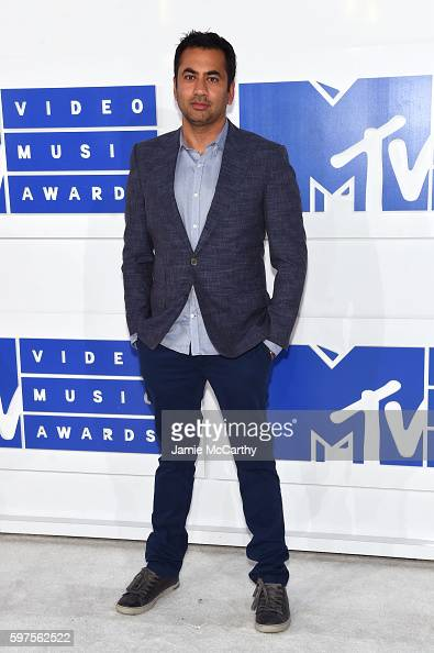 actor-kal-penn-attends-the-2016-mtv-video-music-awards-at-madison-picture-id597562522