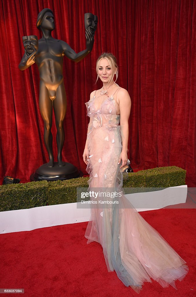 actor-kaley-cuoco-attends-the-23rd-annual-screen-actors-guild-awards-picture-id633037094