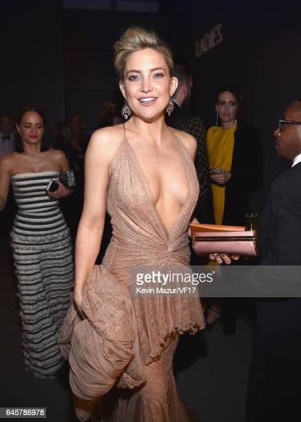 Actor Kate Hudson attends the 2017 Vanity Fair Oscar Party hosted by Graydon Carter at Wallis Annenberg Center for the Performing Arts on February 26...