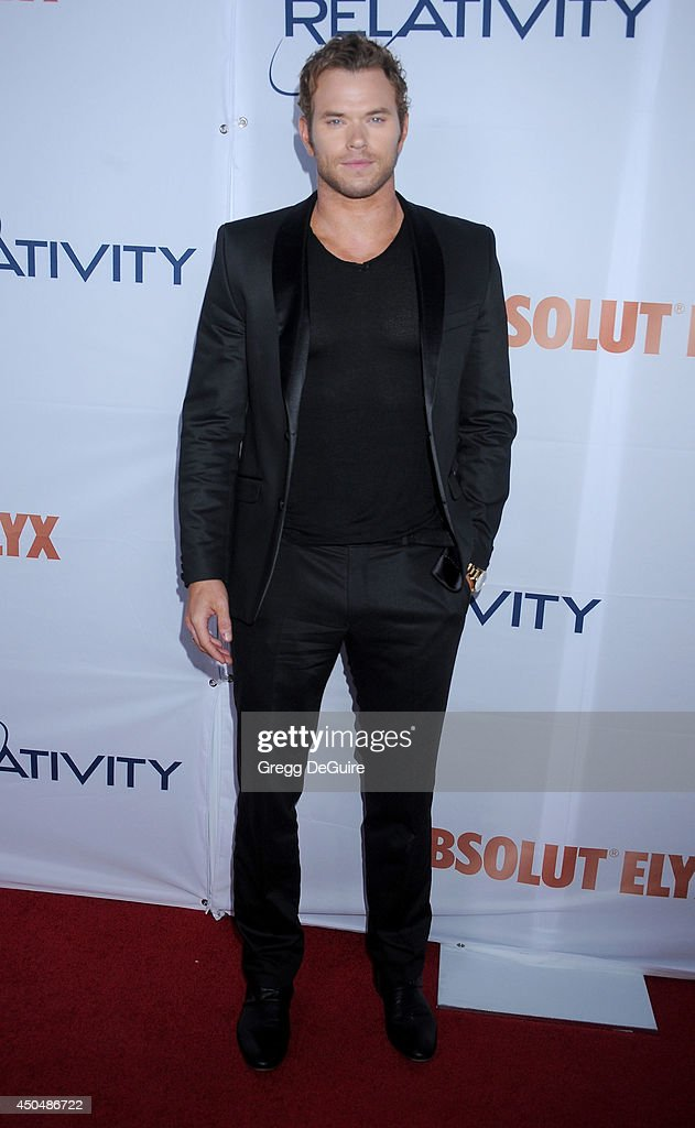Actor <a gi-track='captionPersonalityLinkClicked' href=/galleries/search?phrase=Kellan+Lutz&family=editorial&specificpeople=683287 ng-click='$event.stopPropagation()'>Kellan Lutz</a> arrives at the Pathway To The Cures For Breast Cancer event at Barkar Hangar on June 11, 2014 in Santa Monica, California.