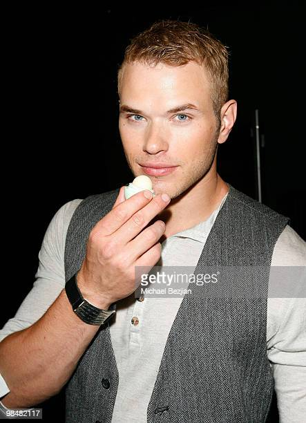 Actor Kellan Lutz attends Hollywood Life's 11th Annual Young Hollywood Awards Sponsors at The Eli and Edythe Broad Stage on June 7 2009 in Santa...