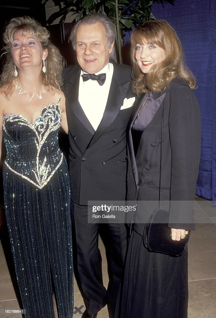 Actor Ken Kercheval, wife Ava Fox, and his daughter attend the Eighth Annual American Cinema Awards on January 12, 1991 at Beverly Hilton Hotel in Beverly Hills, California.