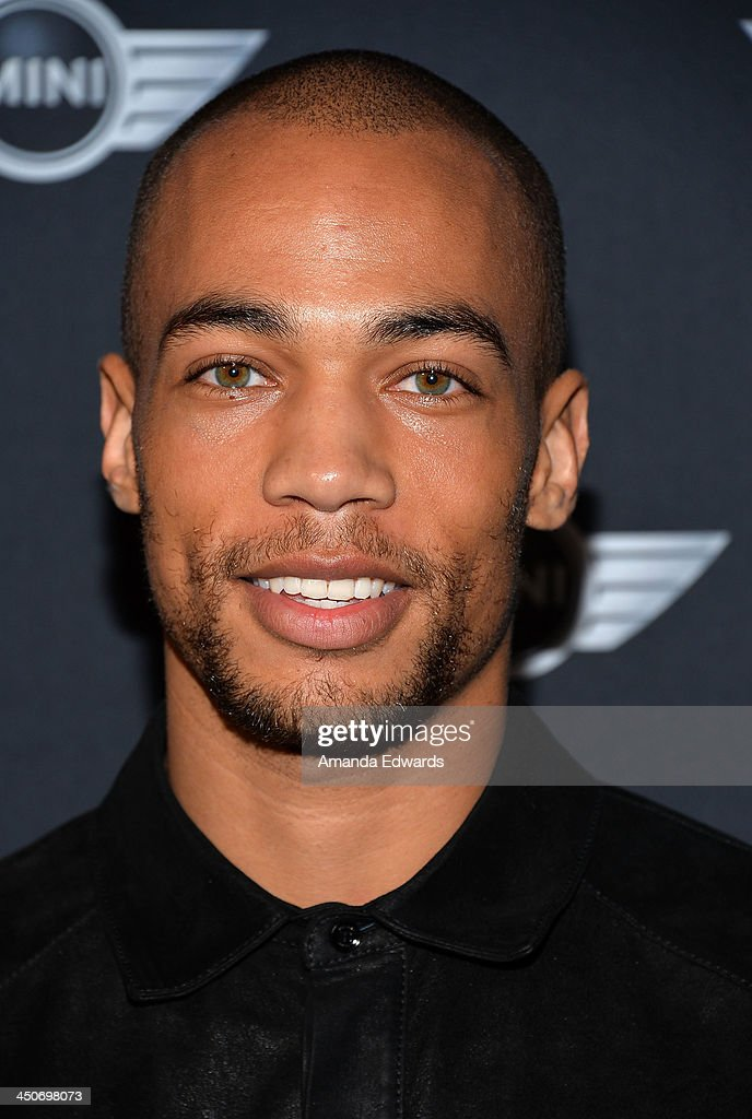 Actor Kendrick Sampson arrives at the MINI Cooper red carpet premiere on November 19, 2013 in Los Angeles, California.
