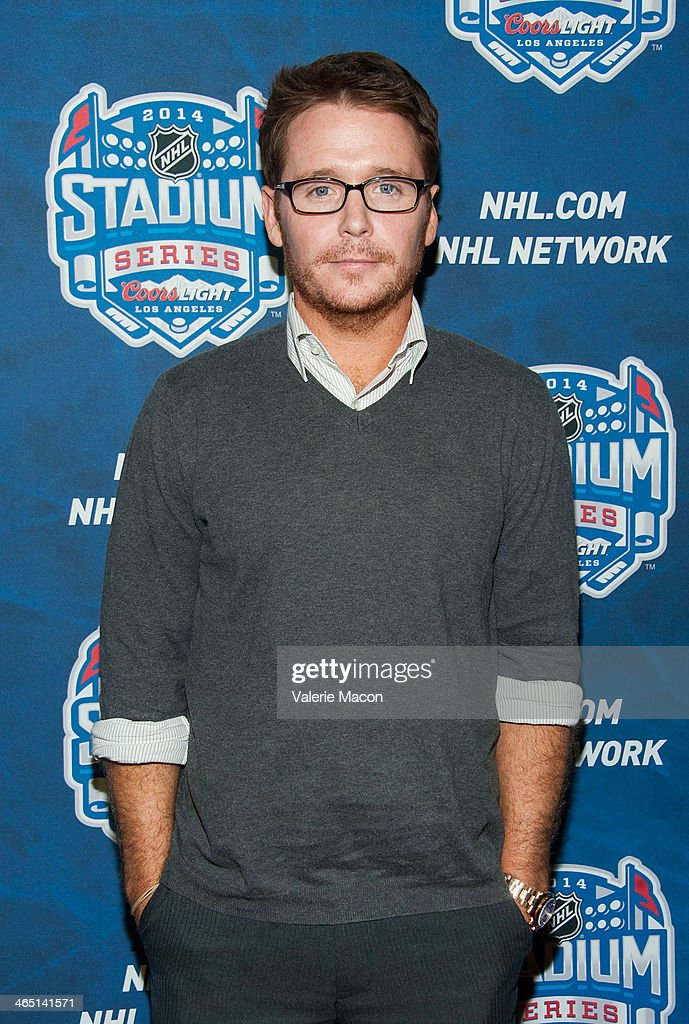 Actor <a gi-track='captionPersonalityLinkClicked' href=/galleries/search?phrase=Kevin+Connolly&family=editorial&specificpeople=206759 ng-click='$event.stopPropagation()'>Kevin Connolly</a> arrives at the 2014 Coors Light NHL Stadium Series Los Angeles at Dodger Stadium on January 25, 2014 in Los Angeles, California.