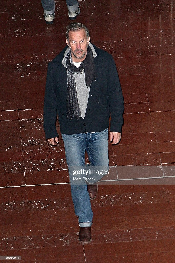 Actor <a gi-track='captionPersonalityLinkClicked' href=/galleries/search?phrase=Kevin+Costner&family=editorial&specificpeople=201719 ng-click='$event.stopPropagation()'>Kevin Costner</a> is seen at Roissy airport on January 15, 2013 in Paris, France.
