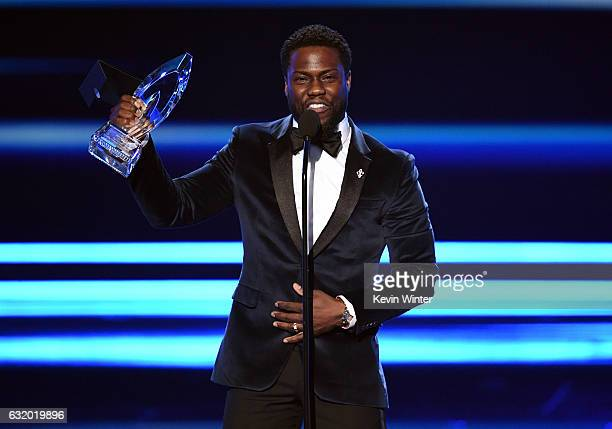 Actor Kevin Hart accepts Favorite Comedic Movie Actor onstage during the People's Choice Awards 2017 at Microsoft Theater on January 18 2017 in Los...