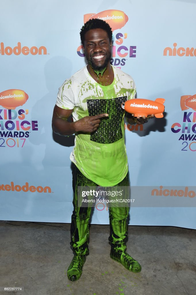 actor-kevin-hart-backstage-at-nickelodeons-2017-kids-choice-awards-at-picture-id652257774