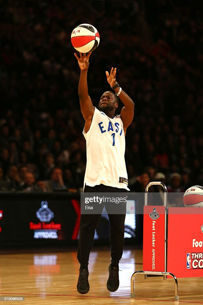 Actor <a gi-track='captionPersonalityLinkClicked' href=/galleries/search?phrase=Kevin+Hart+-+Acteur&family=editorial&specificpeople=4538838 ng-click='$event.stopPropagation()'>Kevin Hart</a> shoots in a three point contest against Draymond Green of the Golden State Warriors before the Foot Locker Three-Point Contest during NBA All-Star Weekend 2016 at Air Canada Centre on February 13, 2016 in Toronto, Canada.