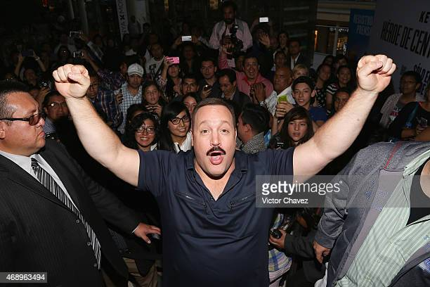 Actor Kevin James signs autographs and takes selfies with fans during the 'Paul Blart Mall Cop 2' Mexico City advance screening at Cinemex Antara...