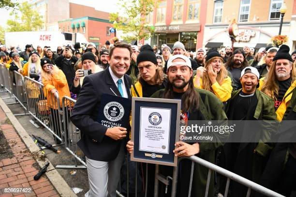 Actor Kevin Smith Adjudicator Micheal Empric of Guiness Book of World Records and Actor Jason Mewes attend Jay And Silent Bob Cosplay Guinness Book...