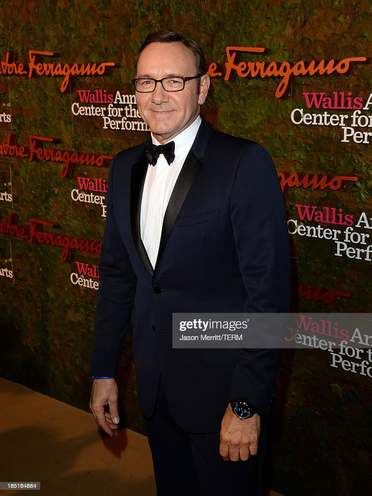 Actor <a gi-track='captionPersonalityLinkClicked' href=/galleries/search?phrase=Kevin+Spacey&family=editorial&specificpeople=202091 ng-click='$event.stopPropagation()'>Kevin Spacey</a> arrives at the Wallis Annenberg Center for the Performing Arts Inaugural Gala presented by Salvatore Ferragamo at the Wallis Annenberg Center for the Performing Arts on October 17, 2013 in Beverly Hills, California.