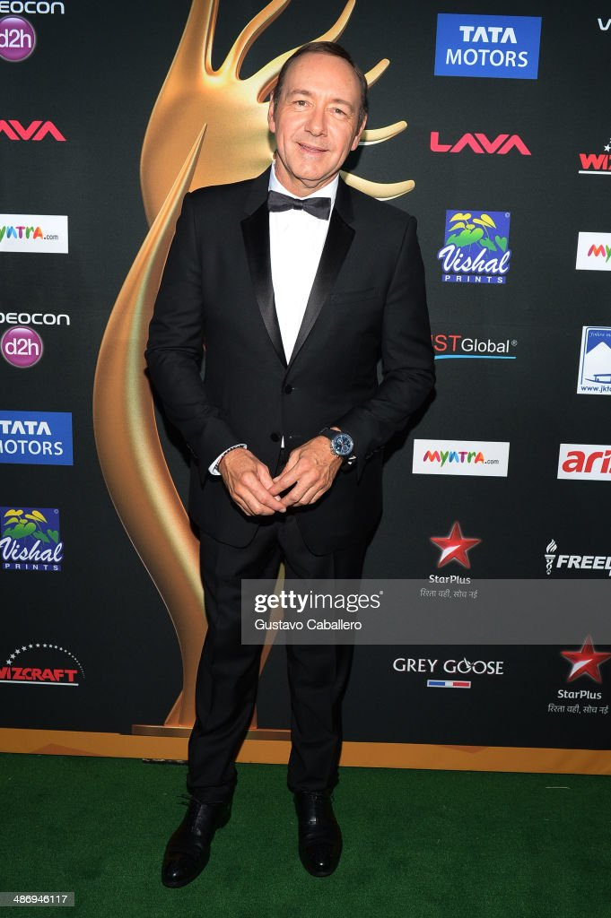 Actor <a gi-track='captionPersonalityLinkClicked' href=/galleries/search?phrase=Kevin+Spacey&family=editorial&specificpeople=202091 ng-click='$event.stopPropagation()'>Kevin Spacey</a> arrives to the IIFA Awards at Raymond James Stadium on April 26, 2014 in Tampa, Florida.