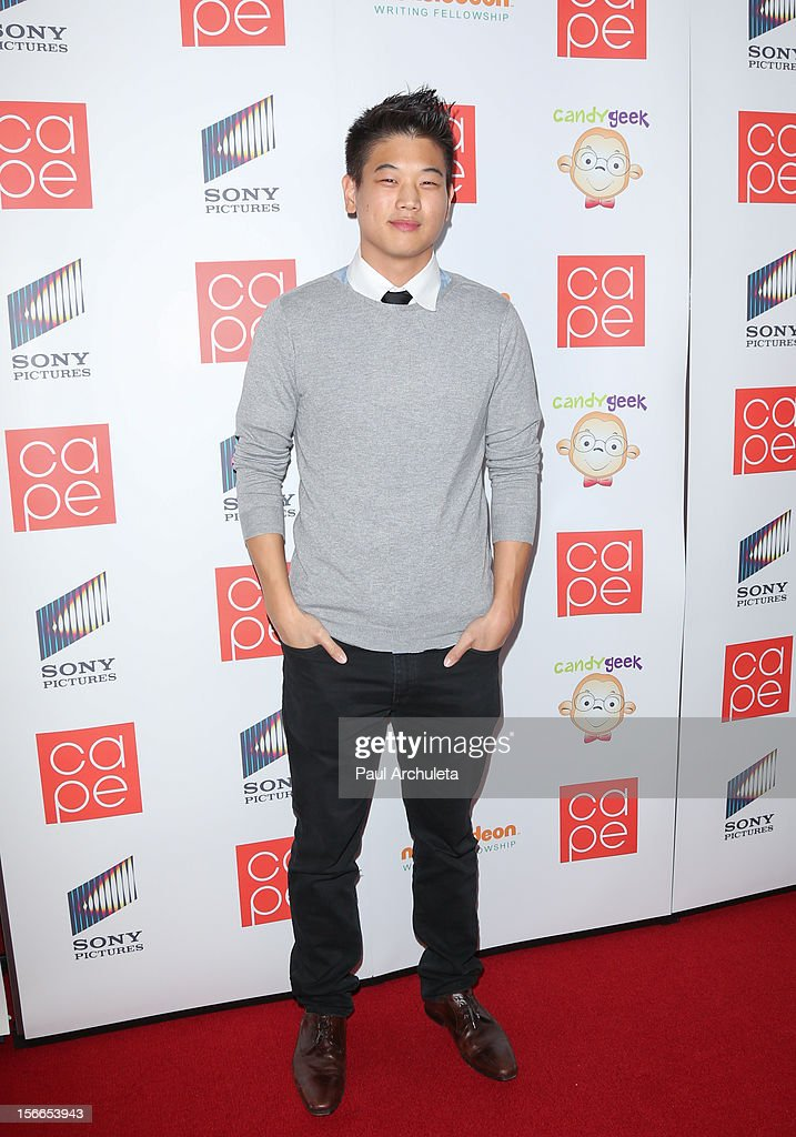 Actor <a gi-track='captionPersonalityLinkClicked' href=/galleries/search?phrase=Ki+Hong+Lee&family=editorial&specificpeople=7727252 ng-click='$event.stopPropagation()'>Ki Hong Lee</a> attends the 2012 CAPE Holiday Fundraiser 'I Am...All In' at the W Hollywood on November 17, 2012 in Hollywood, California.