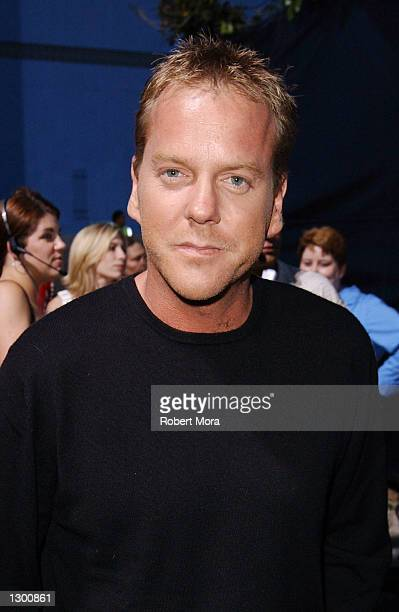 Actor Kiefer Sutherland attends the premiere of Universal Pictures' and Imagine Entertainment's 'Blue Crush' at the Universal Amphitheatre on August...