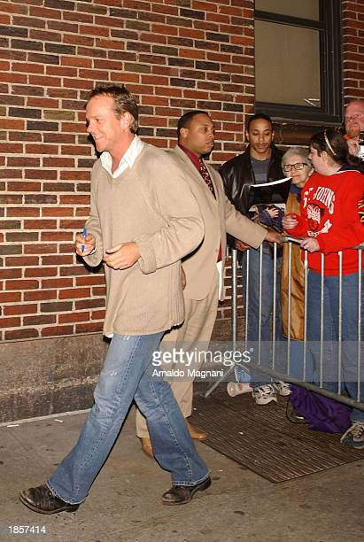 Actor Kiefer Sutherland leaves the David Letterman show after a taping at the Sullivan Theatre March 18 2003 in New York City