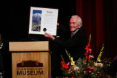 Actor Kirk Douglas attends the Palm Springs International Film Society and its Film Festival honoring actor Kirk Douglas on October 17 2004 at the...