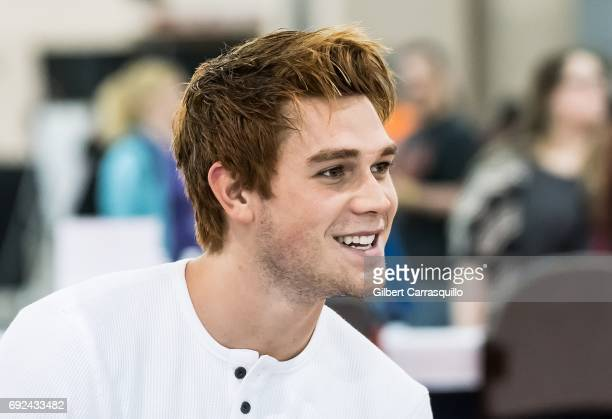 Actor KJ Apa attends Wizard World Comic Con Philadelphia 2017 Day 4 at Pennsylvania Convention Center on June 4 2017 in Philadelphia Pennsylvania