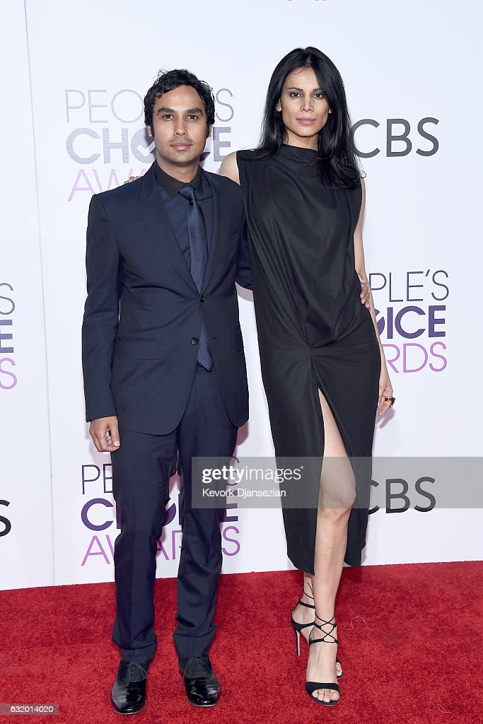 actor-kunal-nayyar-and-model-neha-kapur-attend-the-peoples-choice-picture-id632014020