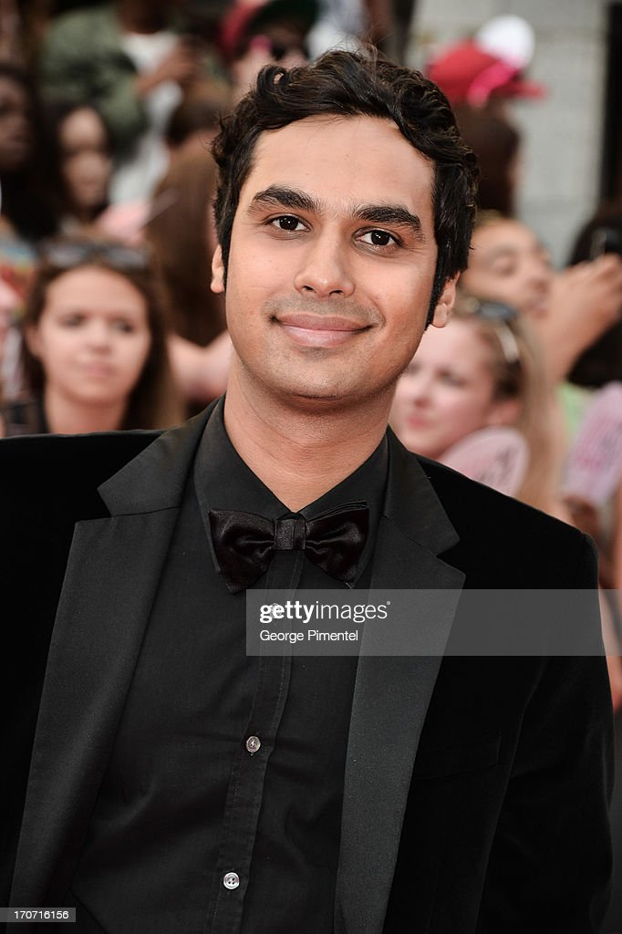 Actor <a gi-track='captionPersonalityLinkClicked' href=/galleries/search?phrase=Kunal+Nayyar&family=editorial&specificpeople=4414736 ng-click='$event.stopPropagation()'>Kunal Nayyar</a> arrives at the 2013 MuchMusic Video Awards at MuchMusic HQ on June 16, 2013 in Toronto, Canada.