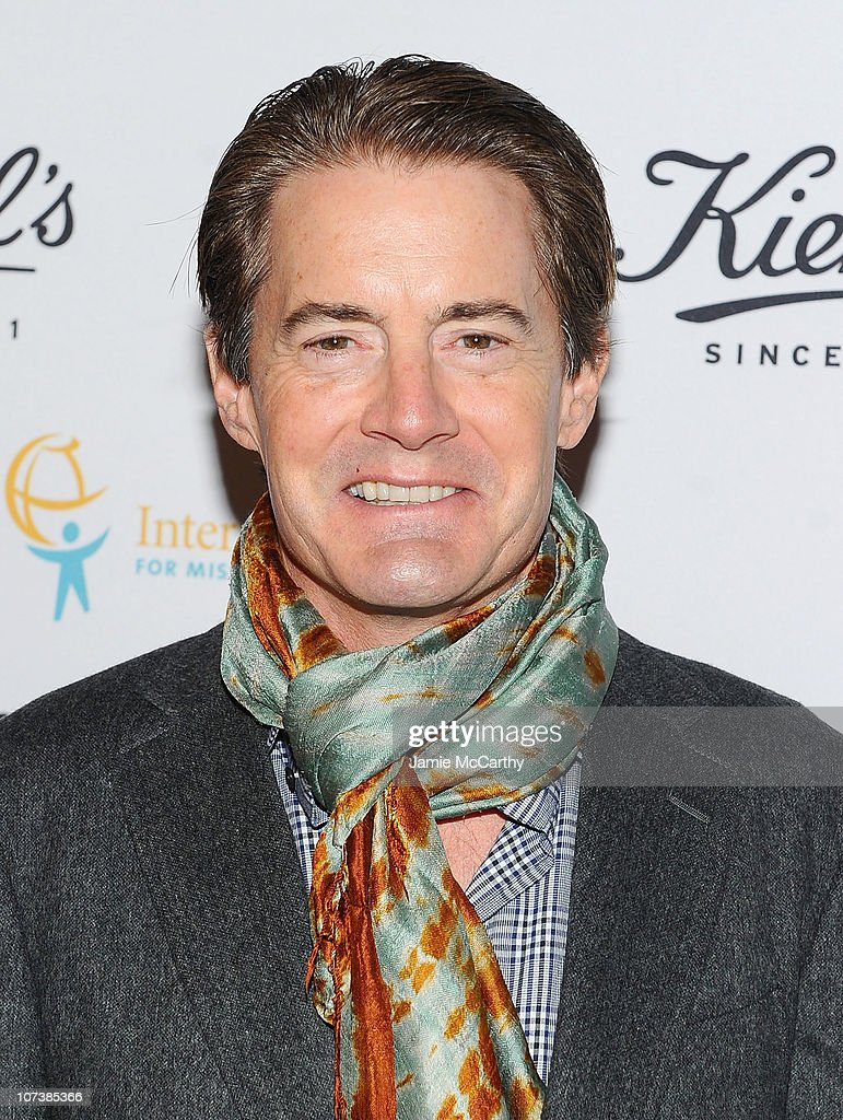 Actor Kyle MacLachlan attends an event honoring Jeff Koons to present $225,00... Show more - actor-kyle-maclachlan-attends-an-event-honoring-jeff-koons-to-present-picture-id107385366