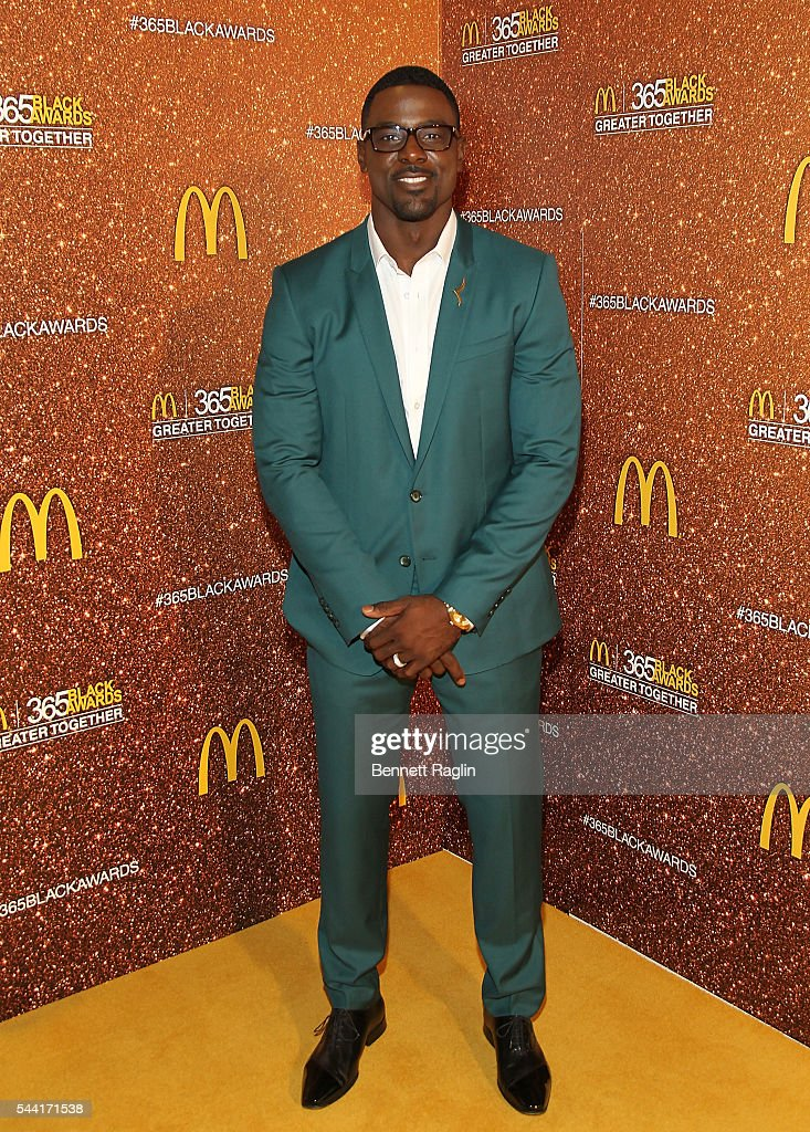 Actor <a gi-track='captionPersonalityLinkClicked' href=/galleries/search?phrase=Lance+Gross&family=editorial&specificpeople=4083742 ng-click='$event.stopPropagation()'>Lance Gross</a> attends the 13th Annual McDonald's 365Black Awards on July 1, 2016 in New Orleans, Louisiana.