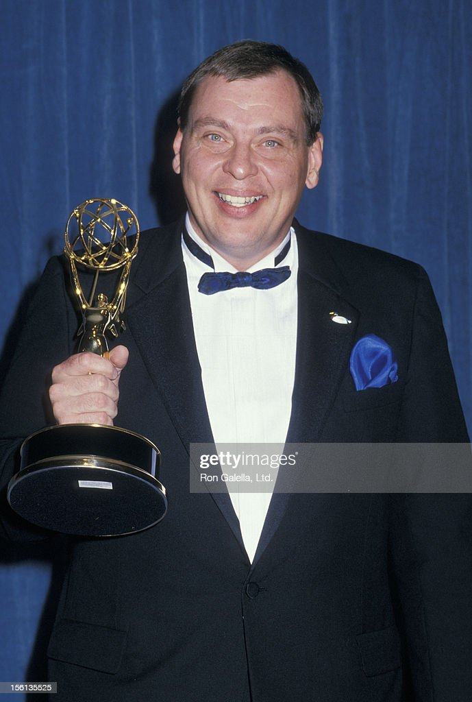 Actor <a gi-track='captionPersonalityLinkClicked' href=/galleries/search?phrase=Larry+Drake&family=editorial&specificpeople=772986 ng-click='$event.stopPropagation()'>Larry Drake</a> attending 40th Annual Primetime Emmy Awards on August 28, 1988 at the Pasadena Civic Auditorium in Pasadena, California.