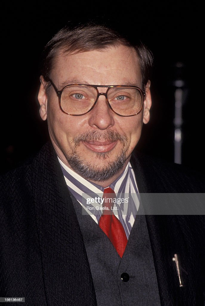 Actor <a gi-track='captionPersonalityLinkClicked' href=/galleries/search?phrase=Larry+Drake&family=editorial&specificpeople=772986 ng-click='$event.stopPropagation()'>Larry Drake</a> attending 'NBC TV Winter Press Tour' on January 8, 1994 at Huntington Ritz Carlton Hotel in Pasadena, California.