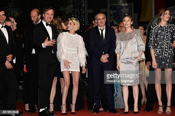 Actor Lars Eidinger actress Kristen Stewart Director Olivier Assayas actress Nora von Waldstatten and actress Sigrid Bouaziz attend the 'Personal...