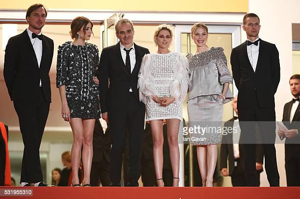 Actor Lars Eidinger actress Sigrid Bouaziz director Olivier Assayas actress Kristen Stewart actress Nora von Waldstaetten and actor Anders Danielsen...