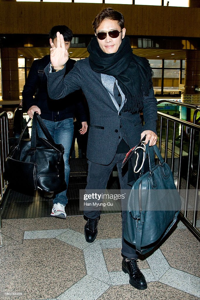 Actor <a gi-track='captionPersonalityLinkClicked' href=/galleries/search?phrase=Lee+Byung-Hun&family=editorial&specificpeople=829983 ng-click='$event.stopPropagation()'>Lee Byung-Hun</a> is seen at Gimpo International Airport on January 28, 2013 in Seoul, South Korea.