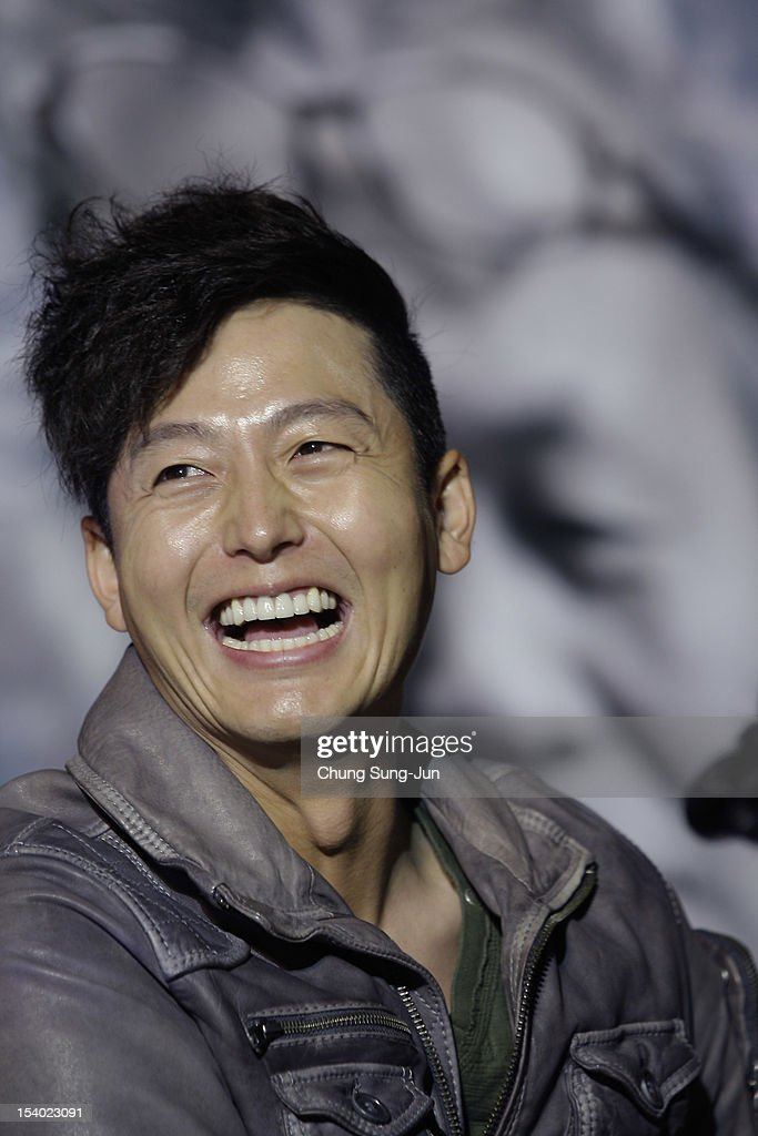 Actor Lee Jung-Jin attends Open Talk during the 17th Busan International Film Festival (BIFF) at Haeundae beach on October 12, 2012 in Busan, South Korea. The biggest film festival in Asia showcases 304 films from 75 countries and runs from October 4-13.