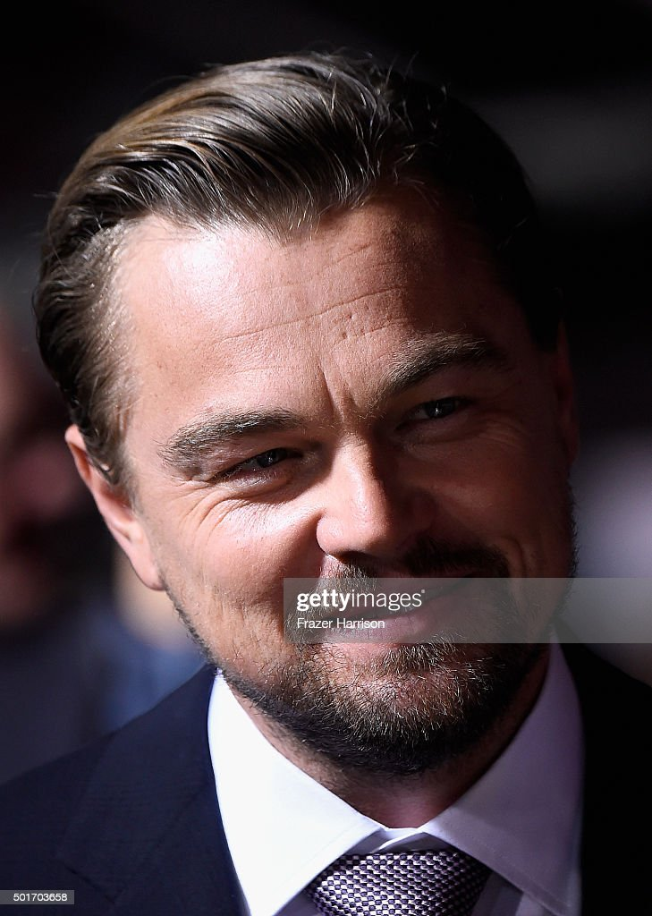 .Actor Leonardo DiCaprio arrive at the Premiere Of 20th Century Fox And Regency Enterprises' 'The Revenant' at TCL Chinese Theatre on December 16, 2015 in Hollywood, California.