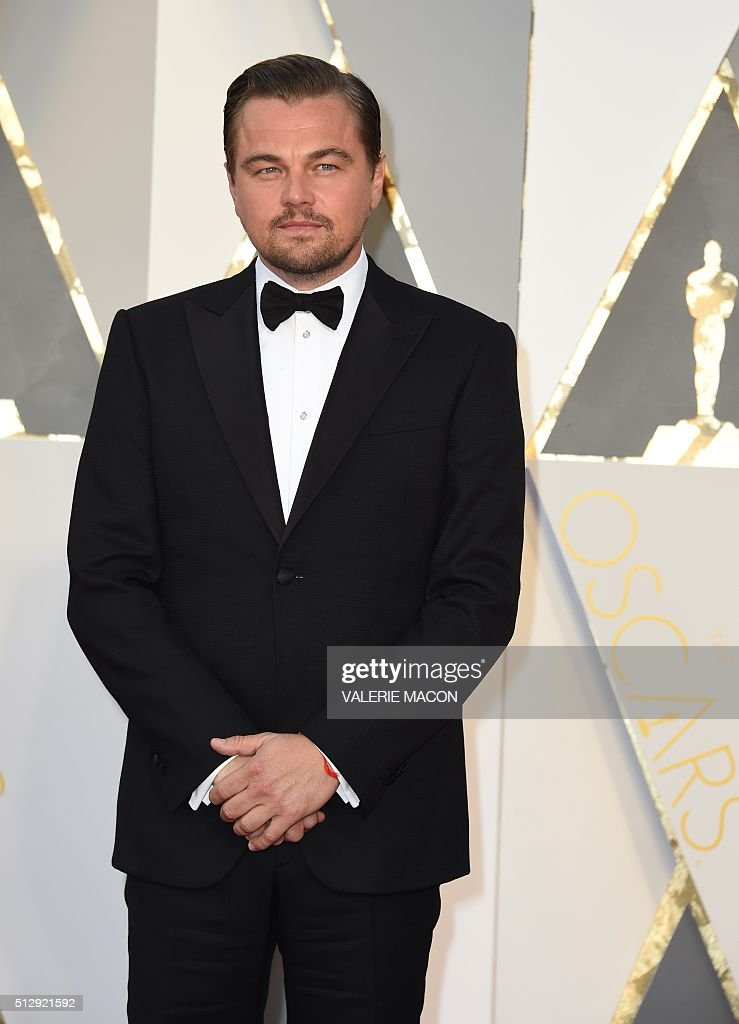 Actor Leonardo DiCaprio arrives on the red carpet for the 88th Oscars on February 28 2016 in Hollywood California AFP PHOTO / VALERIE MACON / AFP /...