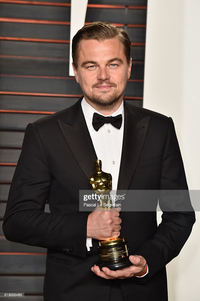 Actor <a gi-track='captionPersonalityLinkClicked' href=/galleries/search?phrase=Leonardo+DiCaprio&family=editorial&specificpeople=201635 ng-click='$event.stopPropagation()'>Leonardo DiCaprio</a> attends the 2016 Vanity Fair Oscar Party Hosted By Graydon Carter at the Wallis Annenberg Center for the Performing Arts on February 28, 2016 in Beverly Hills, California.