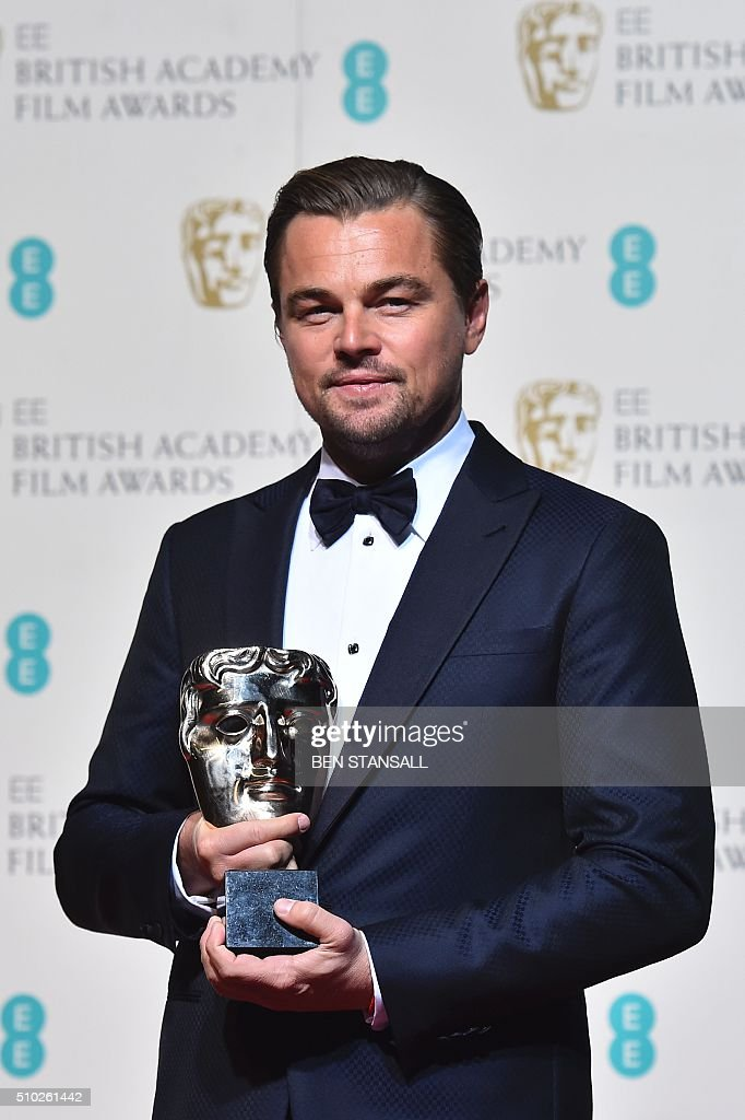 US actor Leonardo DiCaprio poses with the award for a leading actor for his work on the film 'The Revenant' at the BAFTA British Academy Film Awards at the Royal Opera House in London on February 14, 2016. AFP / BEN STANSALL / AFP / BEN STANSALL