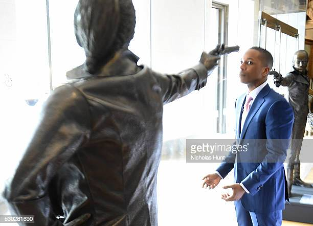 Actor Leslie Odom Jr attends Town Country Philanthropy Summit at New York Historical Society on May 10 2016 in New York City