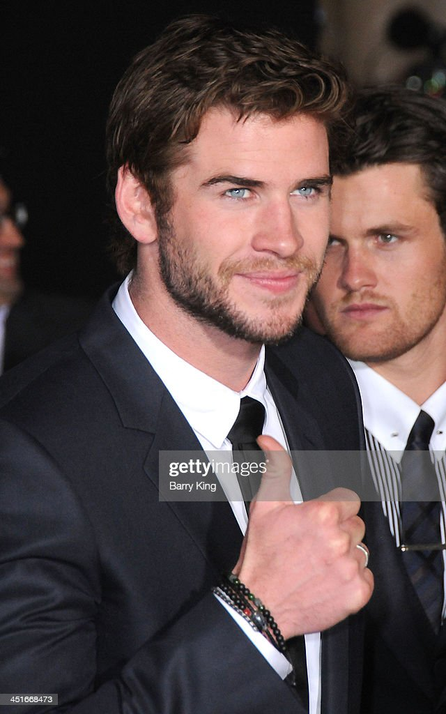 Actor Liam Hemsworth arrives at the Los Angeles Premiere 'Thor: The Dark World' on November 4, 2013 at the El Capitan Theatre in Hollywood, California.
