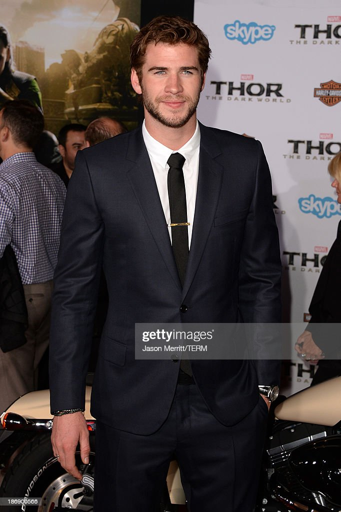 Actor <a gi-track='captionPersonalityLinkClicked' href=/galleries/search?phrase=Liam+Hemsworth&family=editorial&specificpeople=6338547 ng-click='$event.stopPropagation()'>Liam Hemsworth</a> arrives at the premiere of Marvel's 'Thor: The Dark World' at the El Capitan Theatre on November 4, 2013 in Hollywood, California.