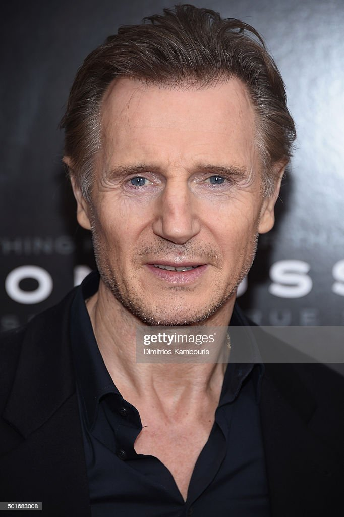 Actor Liam Neeson attends the 'Concussion' New York Premiere at AMC Loews Lincoln Square on ... Show more - actor-liam-neeson-attends-the-concussion-new-york-premiere-at-amc-picture-id501683008