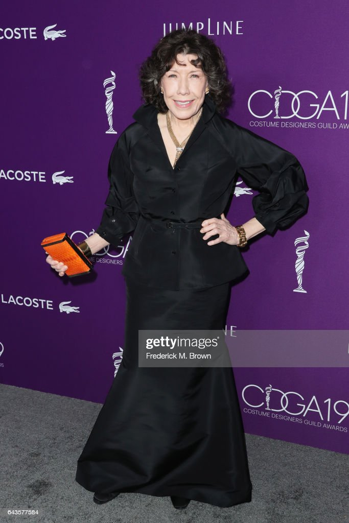 actor-lily-tomlin-attends-the-19th-cdga-with-presenting-sponsor-at-picture-id643577584