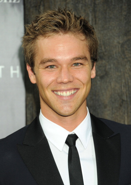 lincoln lewis - photo #8