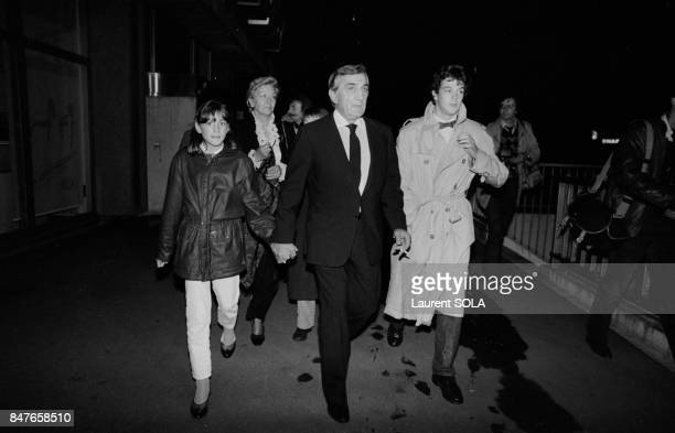 Actor Lino Ventura and wife Odette arrive at Palais des Congres for the premiere of movie Les Miserables on October 18 1982 in Paris France