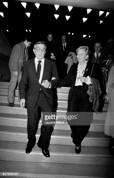 Actor Lino Ventura at the Palais des Congres for the premiere of movie Les Miserables with wife Odette on October 18 1982 in Paris France