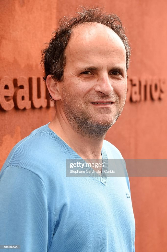 Actor Lionel Abelanski attends day nine of the 2016 French Open at Roland Garros on May 30, 2016 in Paris, France.