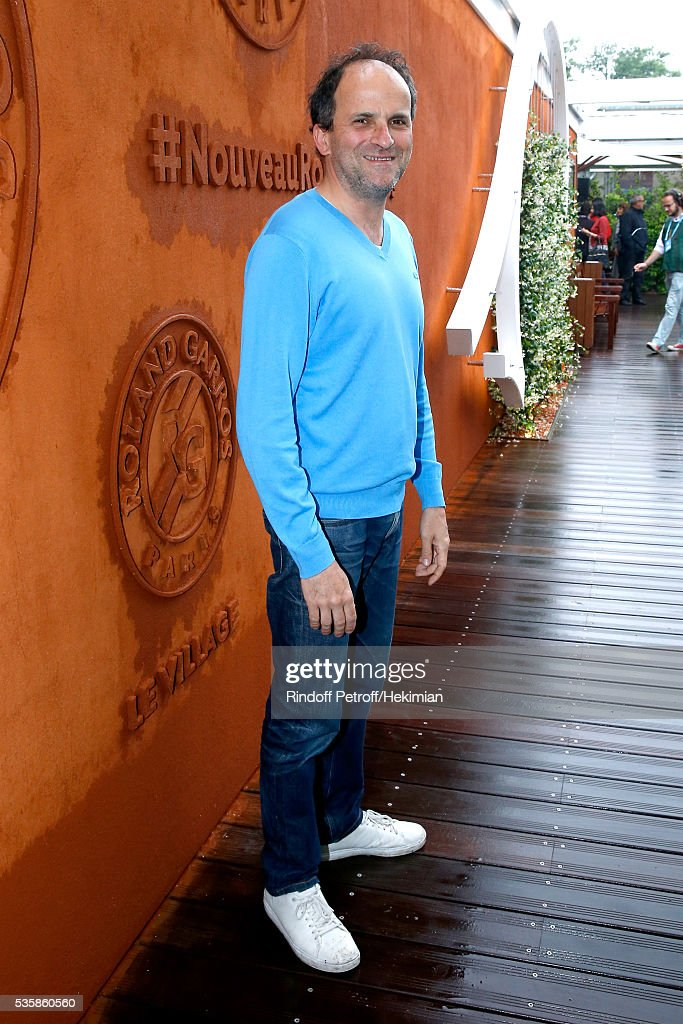 Actor Lionel Abelanski attends Day Nine of the 2016 French Tennis Open at Roland Garros on May 30, 2016 in Paris, France.
